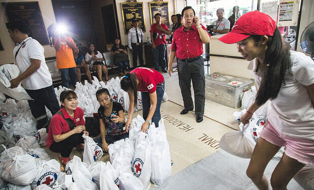 Canadians pledge relief aid to the Philippines