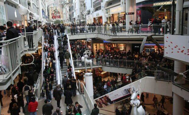 Gift shopping for dad, in-laws difficult: survey