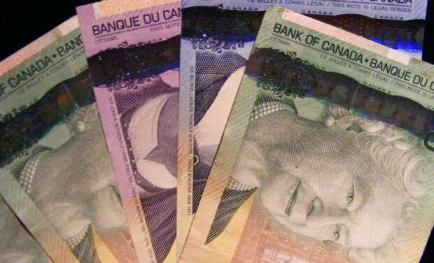 Majority of Canadians suffer from personal finance difficulties, study finds