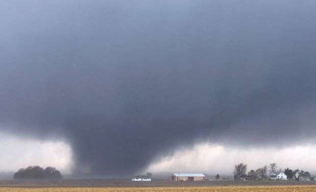 Up to 80 tornadoes hit U.S. Midwest