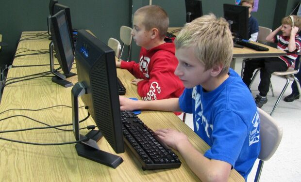 Cell phones give young students abundance of screen time