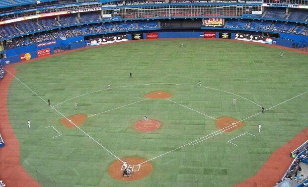 Blue Jays fever heats up in Toronto