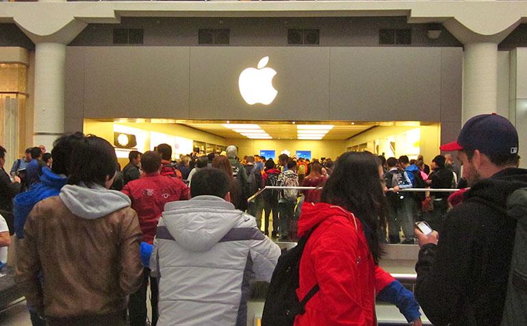 iPhone 6 release Eaton Centre