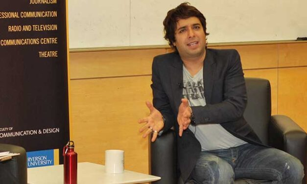 Ghomeshi dumped by crisis experts