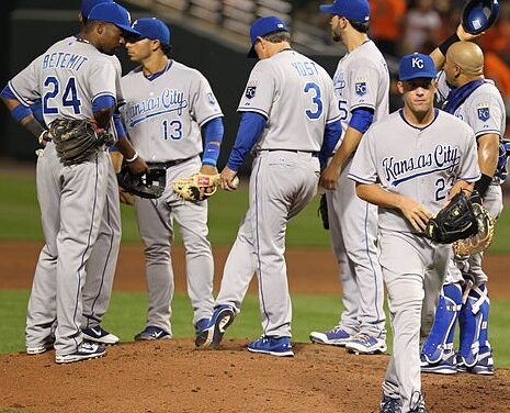 Royals and Giants face off in first game of World Series
