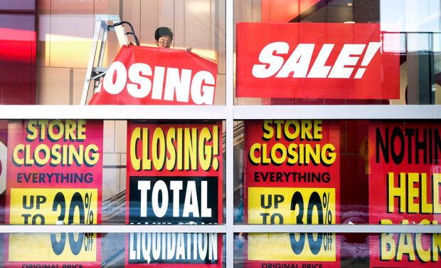 Canadians feel impact of declining retail jobs
