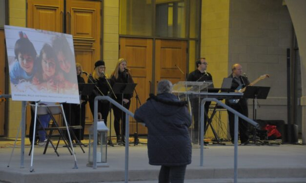 Mourners attend Neville-Lake family vigil at Vaughan's St. Padre Pio church