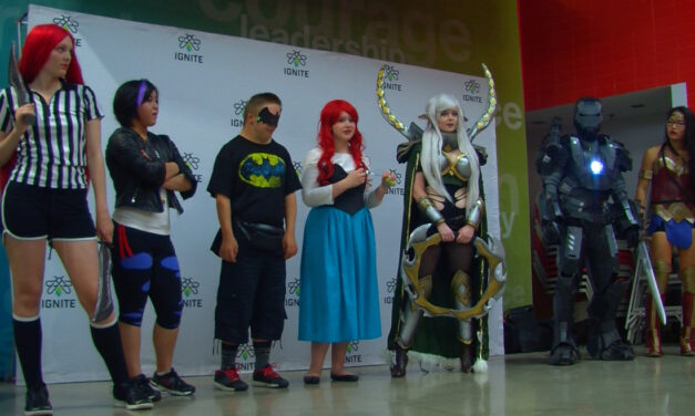 Comic Expo draws celebrities, students and costumes