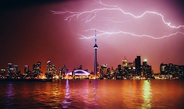 When thunder roars, go indoors: Environment Canada